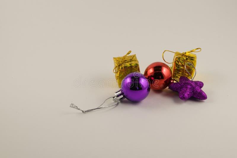 Boże Narodzenia bąbel i prezenty obrazy royalty free