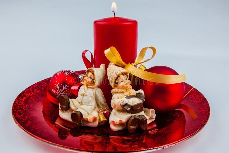 Boże Narodzenia dekorujący beczkują z pociskami, świeczki, zima odziewają fotografia royalty free