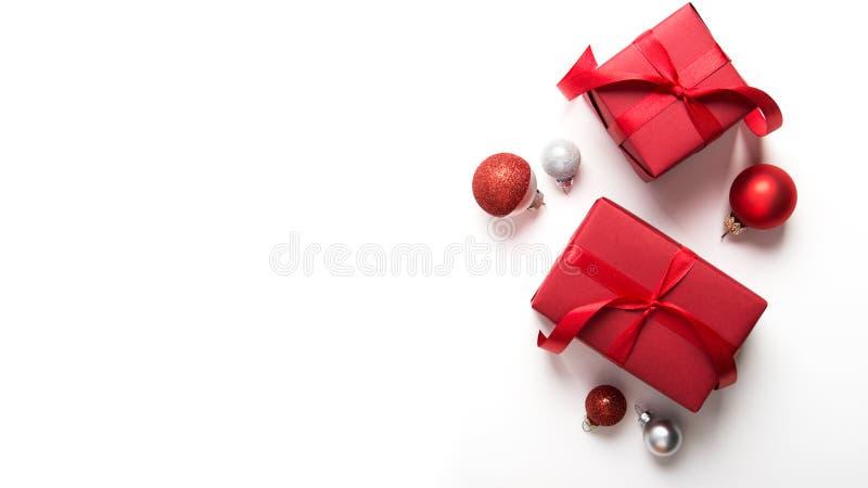 Boże Narodzenia i nowego roku wakacje tło Xmas kartka z pozdrowieniami chłopiec wakacji lay śniegu zima zdjęcie royalty free