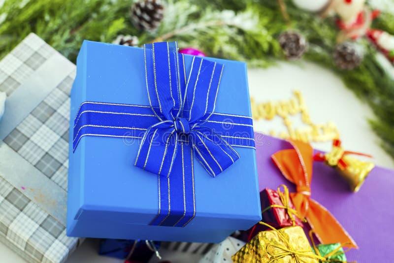 Boże Narodzenia lub nowego roku prezenta pakunki, zdjęcie royalty free