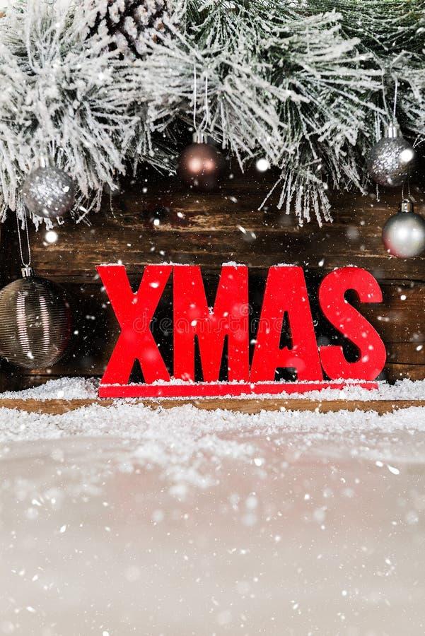Boże Narodzenia Obramiają od Śnieżnych Futerkowych gałąź, Drewniany Xmas list zdjęcie stock
