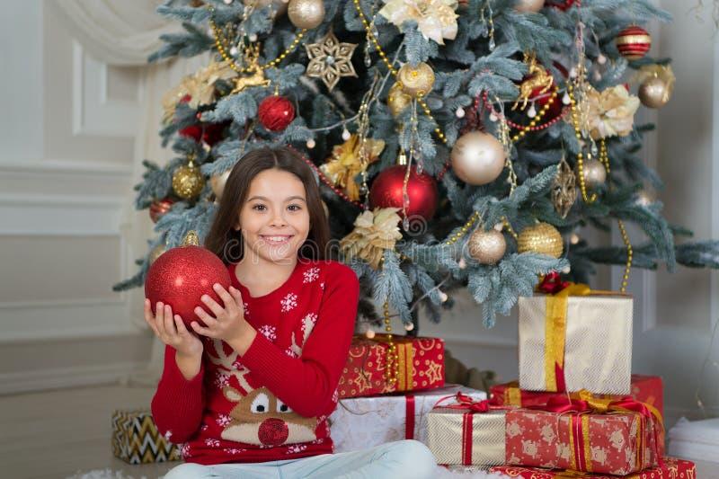 Boże Narodzenia przygotowywający ty Dzieciak cieszy się wakacje szczęśliwego nowego roku, Ranek przed Xmas Nowego Roku wakacje ma fotografia stock