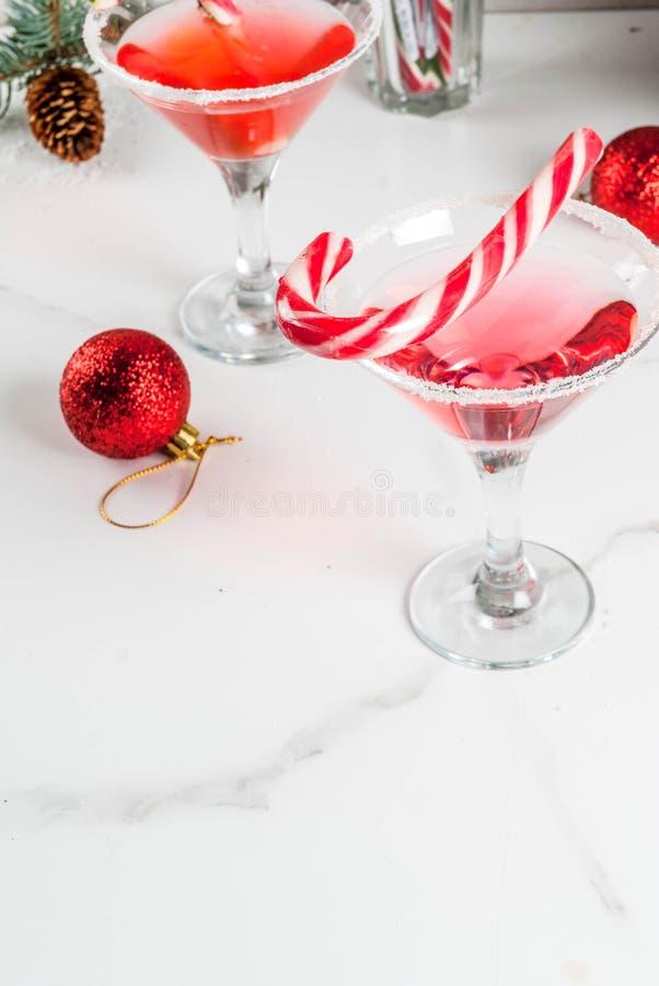 Boże Narodzenia różowią miętowego Martini zdjęcie royalty free