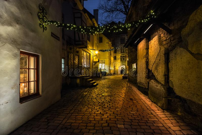 Boże Narodzenia Ulicy stary miasteczko Tallinn Estonia obraz royalty free