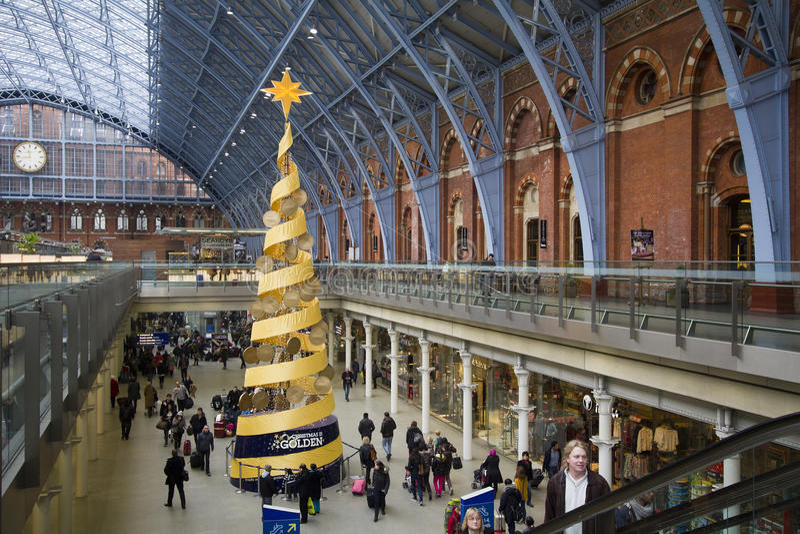 Boże Narodzenia w St. Pancras staci kolejowej Londyn, UK fotografia royalty free