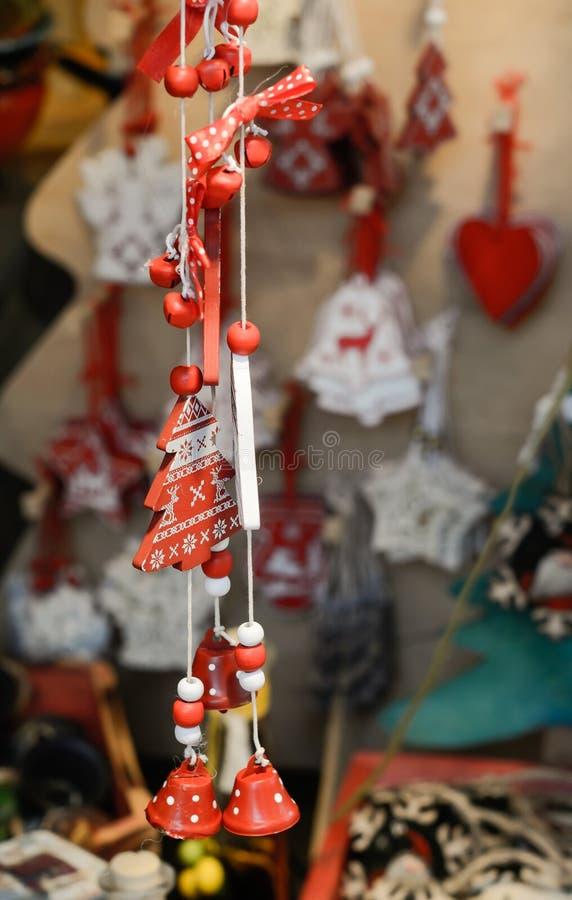 Boże Narodzenia wprowadzać na rynek dekorację - drzewo i dzwony zdjęcia royalty free