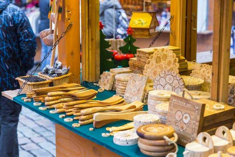 Boże Narodzenia wprowadzać na rynek przy Tallinn ` s urzędu miasta kwadratem fotografia royalty free