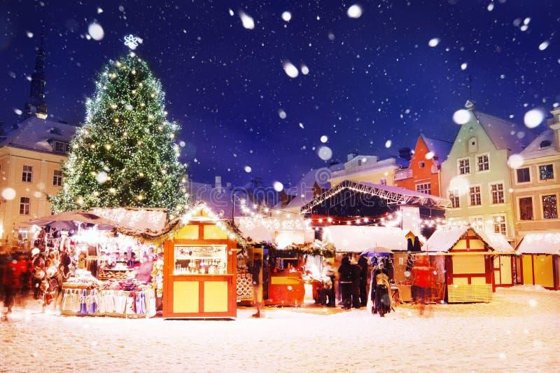 boże narodzenia wprowadzać na rynek Tallinn zdjęcia royalty free
