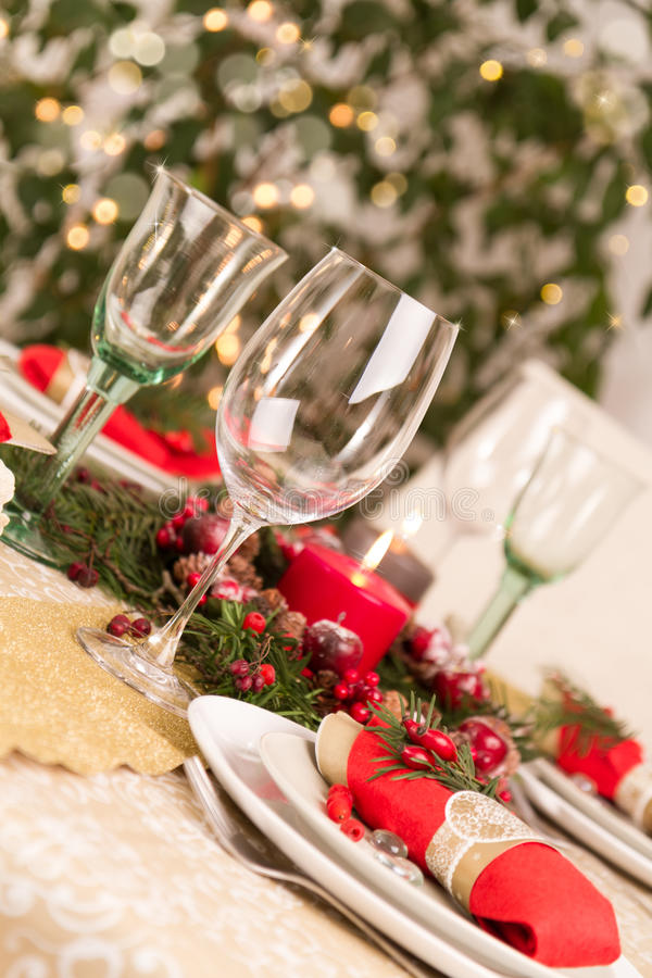 Boże Narodzenia Zgłaszają położenie z Wakacyjnymi dekoracjami obraz stock