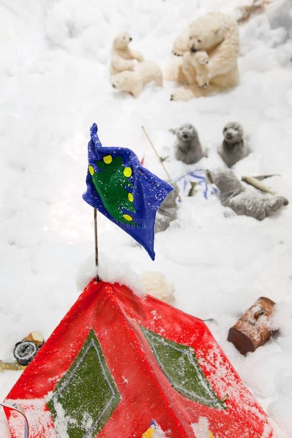 Boże Narodzenie ornamenty z czerwienią z turystycznym namiotem zdjęcia royalty free