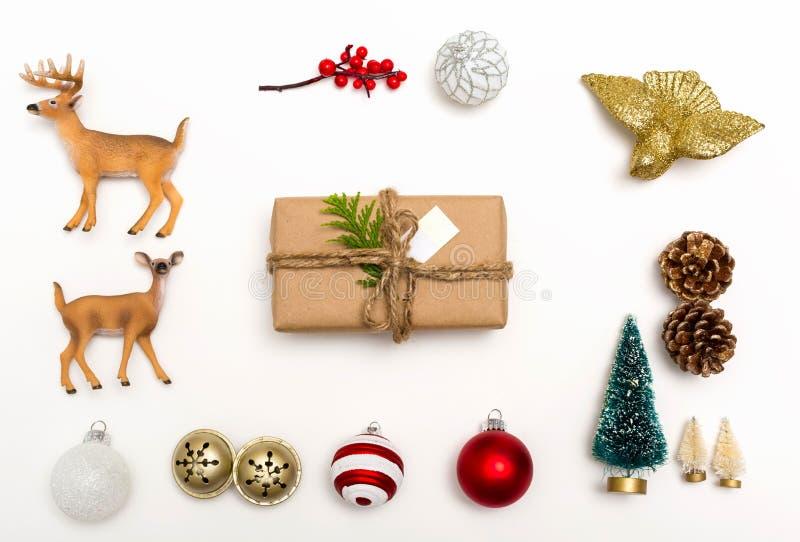 Boże Narodzenie ornamenty z prezenta pudełkiem obrazy royalty free