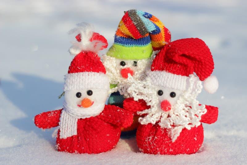 Boże Narodzenie zabawki w śniegu obrazy royalty free