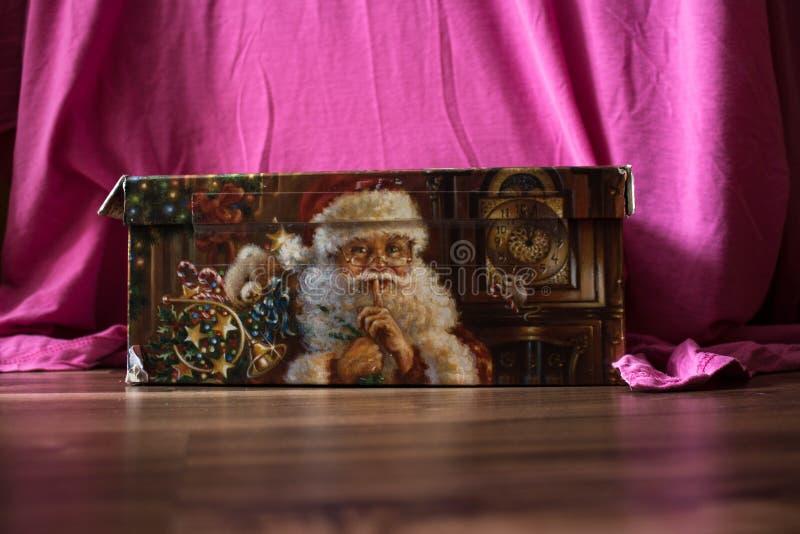 Bożego Narodzenia pudełko z prezentem Claus i Santa zdjęcie royalty free