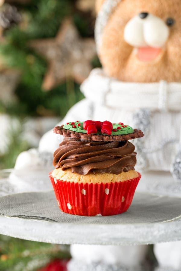 Bożenarodzeniowa babeczka z czekoladową śmietanką fotografia stock
