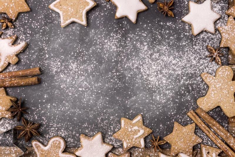 Bożenarodzeniowa Composion rama z kopii przestrzenią dla projekta teksta nowego roku Piernikowych ciastek Odgórnego widoku Ramowe zdjęcia royalty free