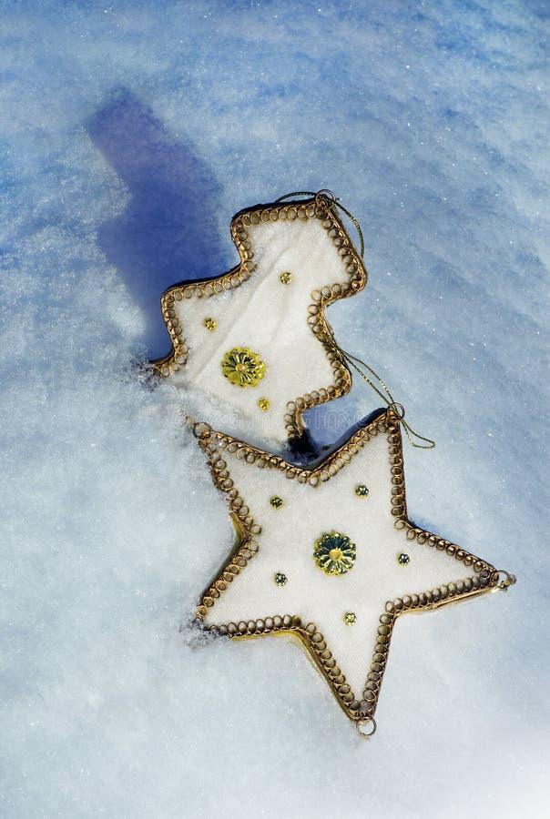Bożenarodzeniowa dekoracja w śniegu obrazy royalty free