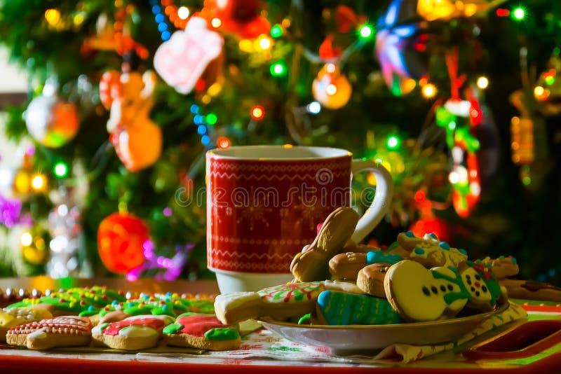 Bożenarodzeniowa filiżanka, herbata i ciastka, zdjęcia stock