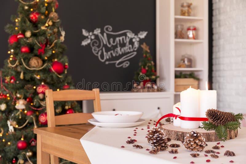 Bożenarodzeniowa obiadowego stołu dekoracja zdjęcia royalty free