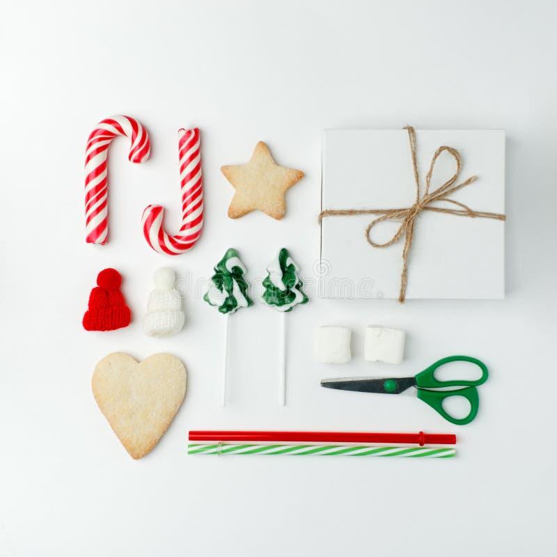 Bożenarodzeniowe dekoracje i przedmioty dla egzaminu próbnego w górę szablonu projekta Bożenarodzeniowi cukierki, ciastka, cukier zdjęcia stock