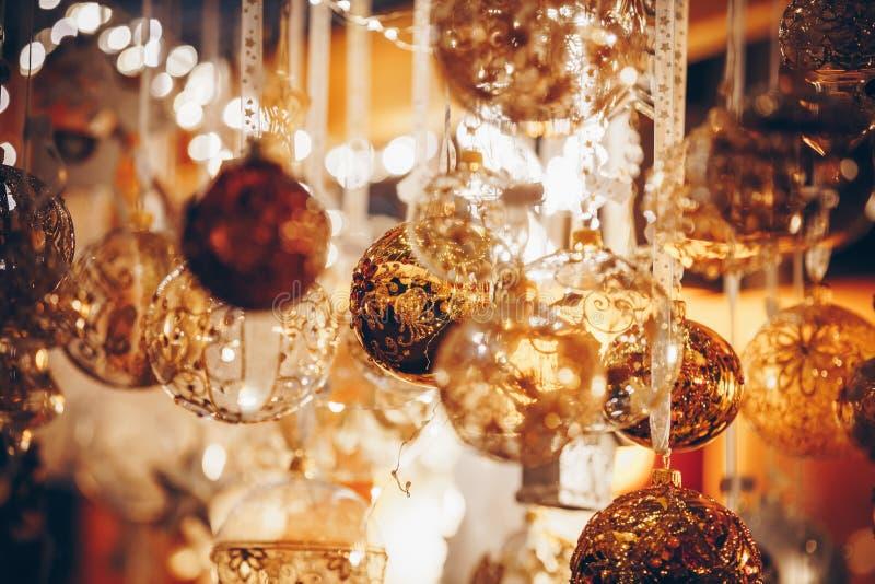Bożenarodzeniowe dekoracje na Trentino Altowego Adige, Włochy boże narodzenia wprowadzać na rynek fotografia royalty free