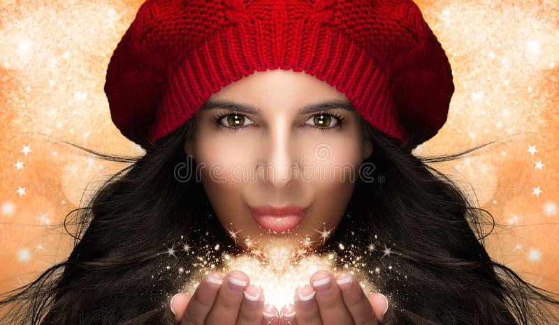 Bożenarodzeniowej dziewczyny Podmuchowy śnieg. Karykatura fotografia stock