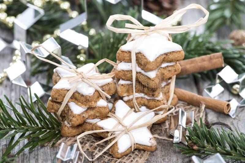 Bożenarodzeniowi cukierki (Cynamonowi ciastka) fotografia royalty free