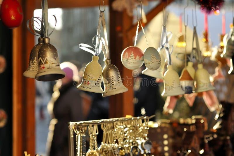 Bożenarodzeniowi prezenty przy jarmarkiem w Tallinn obraz stock