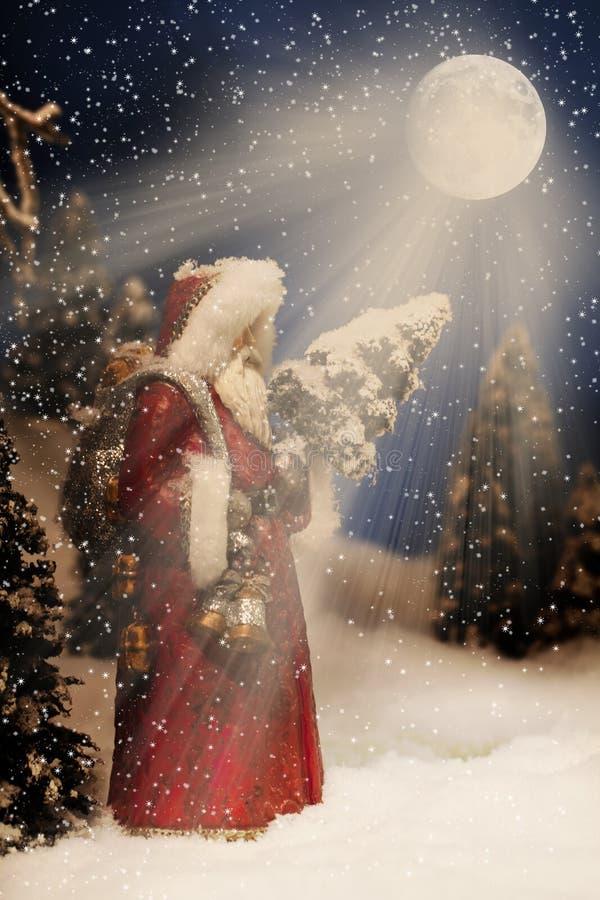 Bożenarodzeniowy Święty Mikołaj Nightime fotografia stock