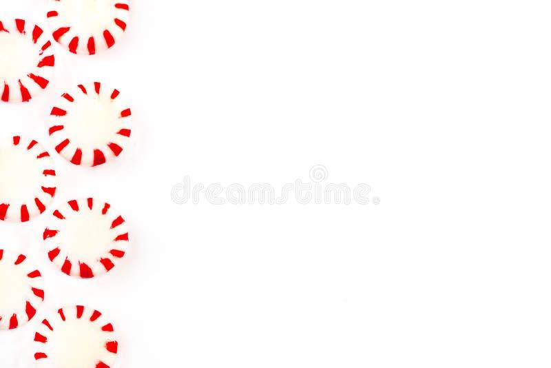 Bożenarodzeniowy miętowy cukierek na białym tle Odgórny widok z zdjęcia royalty free