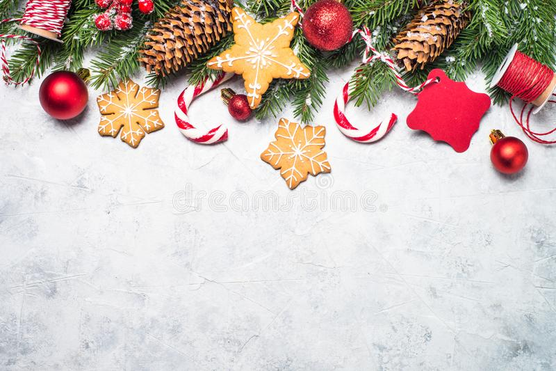 Bożenarodzeniowy miodownik, śnieżny jedlinowy drzewo i dekoracje, obrazy stock