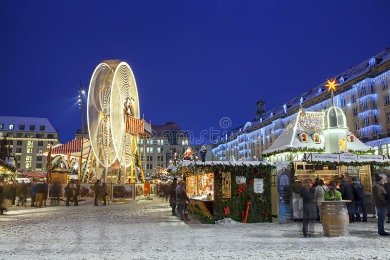 Boże Narodzenie rynek w Drezdeńskim obraz royalty free