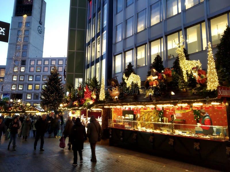 Bożenarodzeniowy rynek w Marktplatz, Stuttgart Niemcy fotografia stock