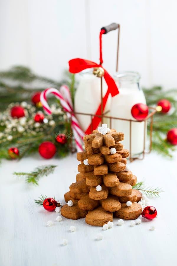 Bożenarodzeniowy skład z ciastka drzewem zdjęcie royalty free