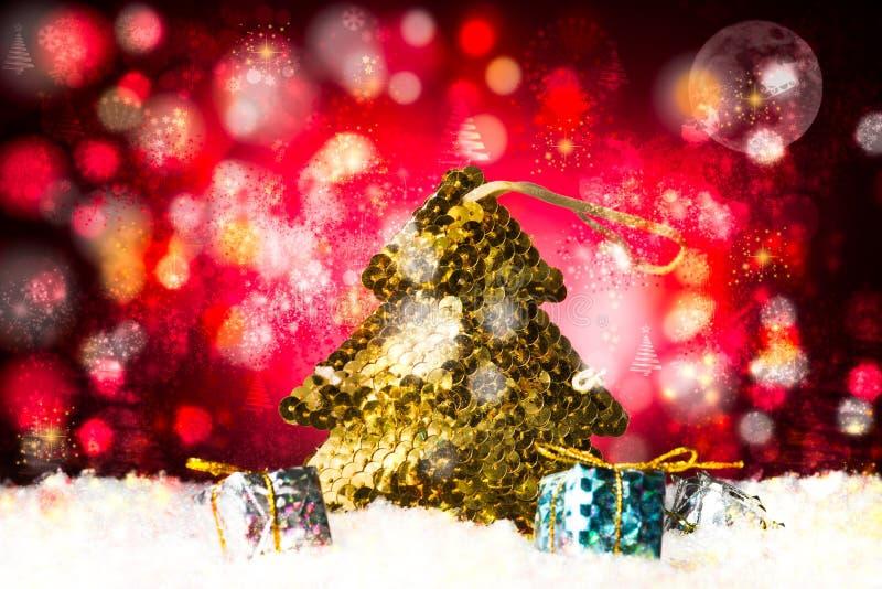 Bożenarodzeniowy treee robić z złotymi paillettes zdjęcie royalty free