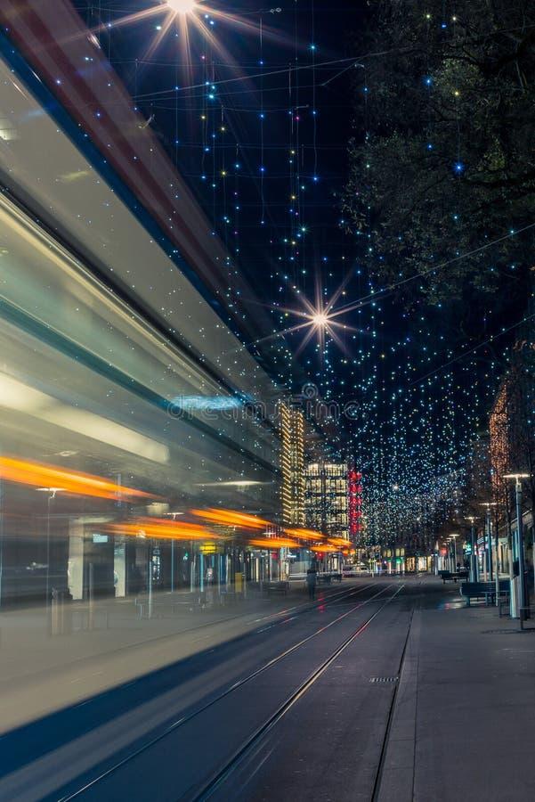 Bożonarodzeniowe światła w Zurich Bahnhofstrasse - 1 fotografia stock