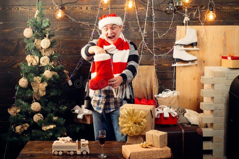 bożych narodzeń dekoraci nowi pończoch rok Śmieszny Santa życzy Wesoło boże narodzenia i Szczęśliwego nowego roku wigilii prezent obraz stock
