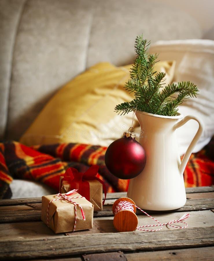Bożych Narodzeń wciąż życia wnętrza szczegóły z wakacyjną dekoracją obrazy stock