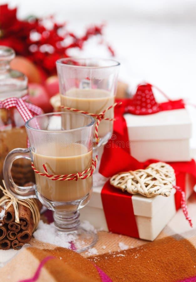 Bożych Narodzeń wciąż życie z gorącą czekoladą zdjęcia royalty free