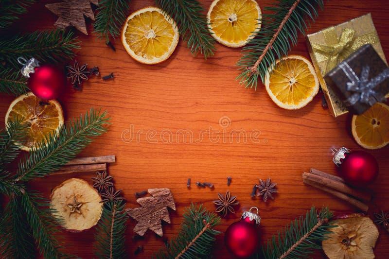 Bożych Narodzeń wciąż życie z owoc i pikantność zdjęcia stock
