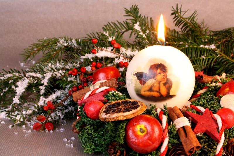 Bożych Narodzeń wianek z świeczką i aniołem obraz stock