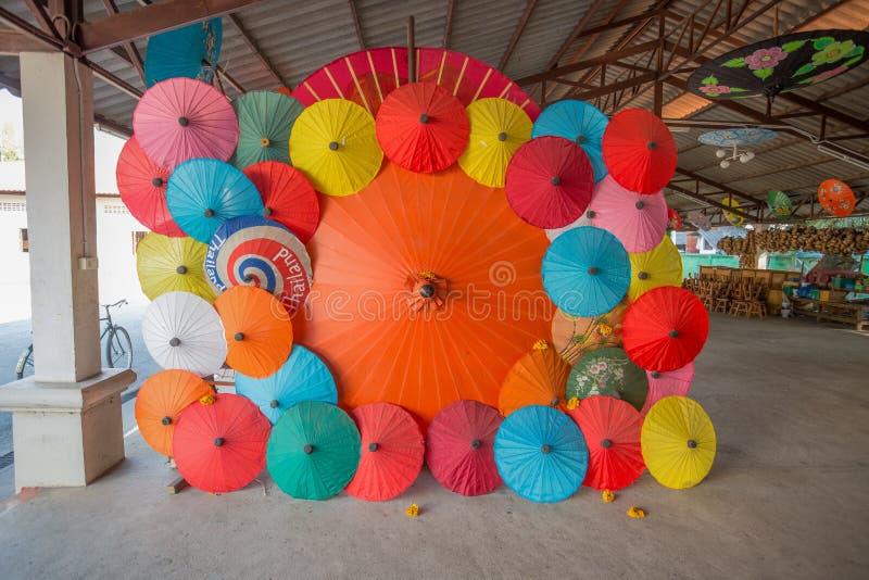 Bo Śpiewał wioskę, handmade parasole i parasols, w Chiang Mai, Tajlandia obraz royalty free