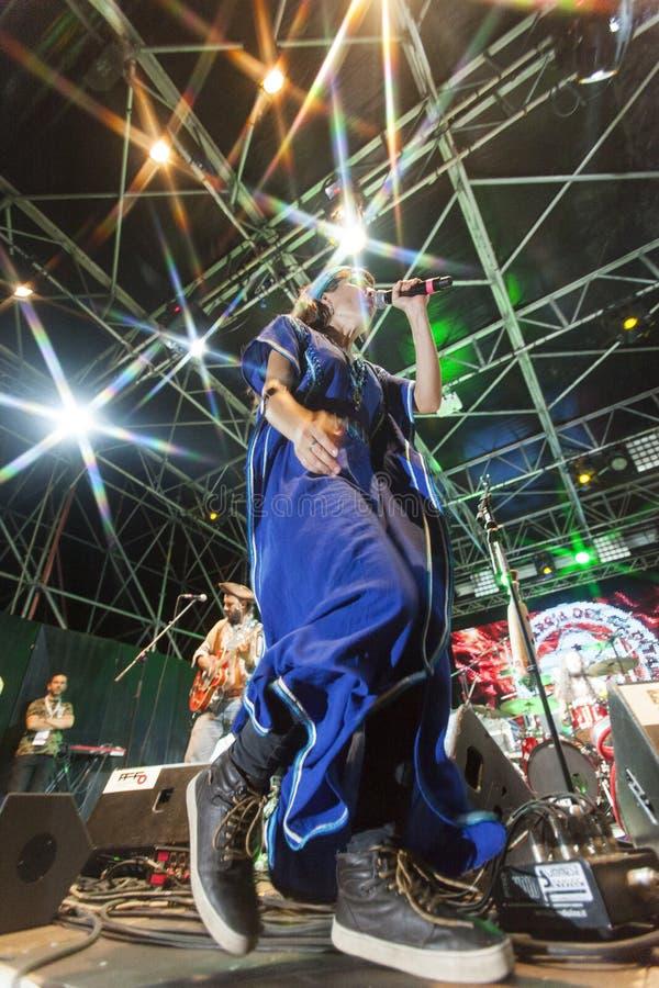 Download Bo Den Capitan Konserten Av Fanfarriadel Redaktionell Bild - Bild av closeup, gitarr: 76700761