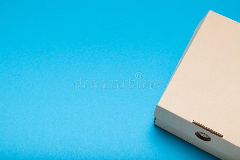 Bo?te de carton de la livraison, carton ondul? Emballage de conteneur Copiez l'espace pour le texte photos stock