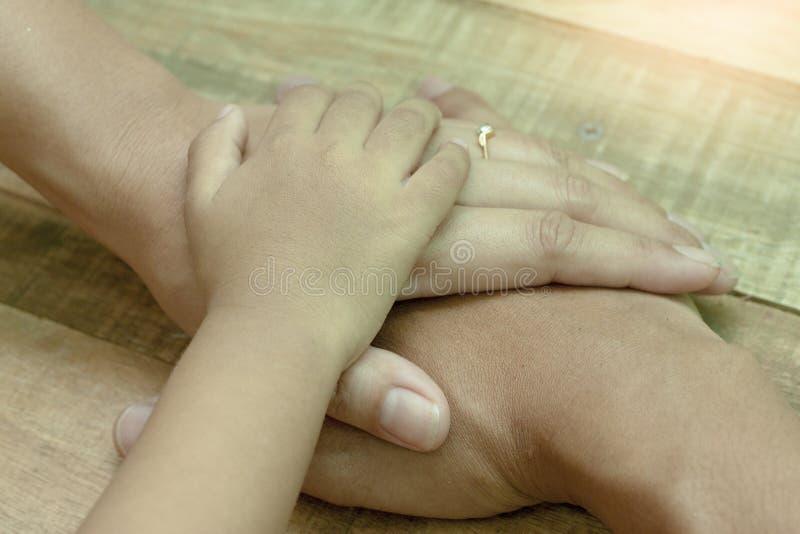 Boa família em Tailândia fotografia de stock