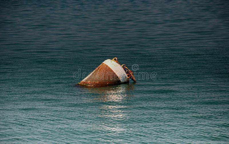 Boa sul mare in porto Pola in Crotia fotografia stock libera da diritti