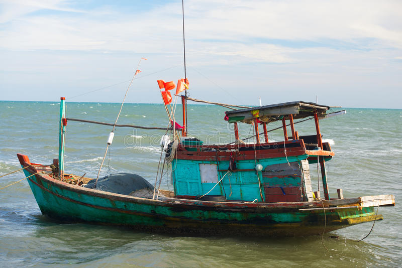 Boa vietnamita de la pesca foto de archivo