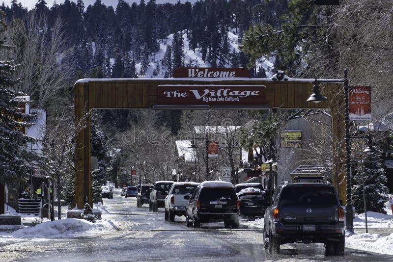 Boa vinda ao sinal da vila de Big Bear fotos de stock