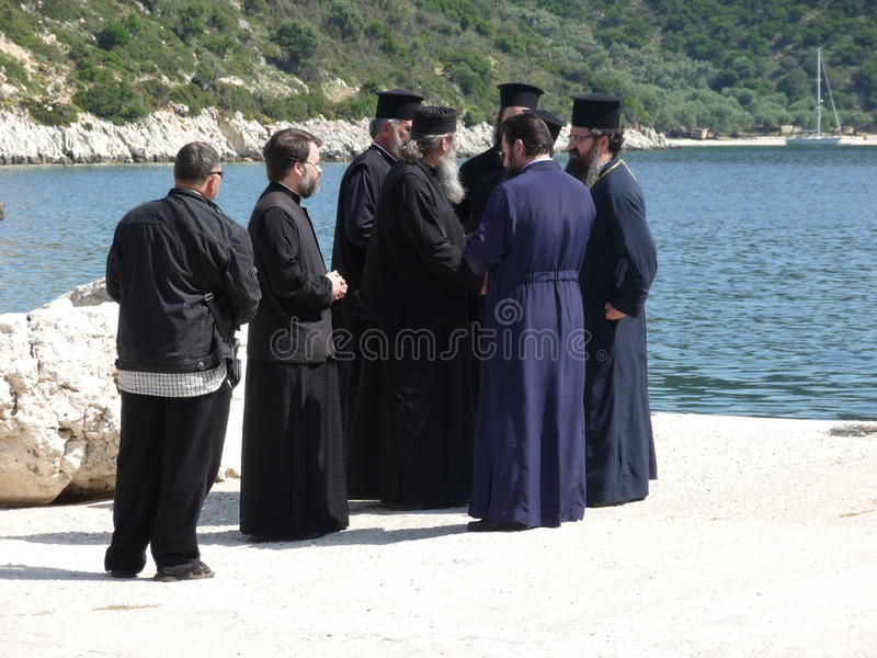 Boa vinda aos padres que visitam por um dia de Saint foto de stock royalty free