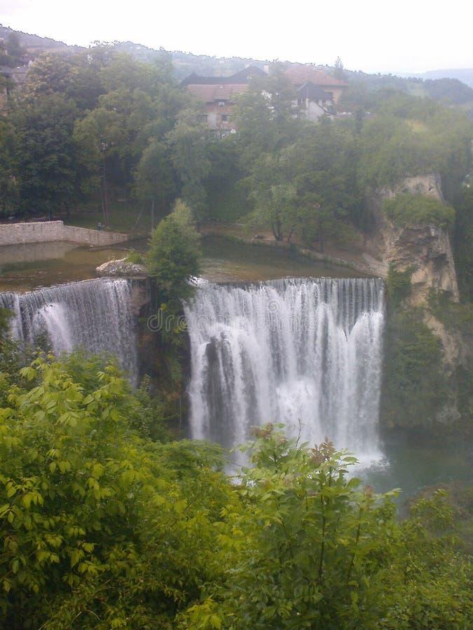 Boa vinda do turista de Jajce BiH da cachoeira fotos de stock