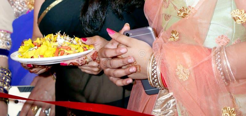 Boa vinda indiana do baraat do casamento da dama de honra imagem de stock